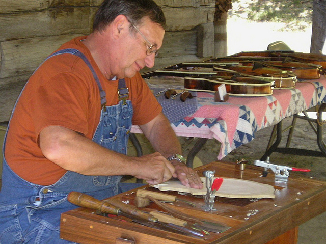 Mike Holmes builds mandolins at Homeplace Trades Fair